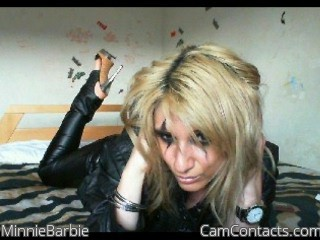 Start VIDEO CHAT with MinnieBarbie