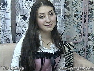 Start VIDEO CHAT with 19LadyStyle