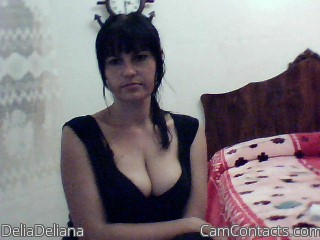 Start VIDEO CHAT with DeliaDeliana