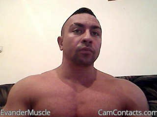 Start VIDEO CHAT with EvanderMuscle