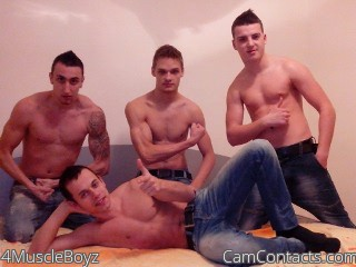 Start VIDEO CHAT with 4MuscleBoyz