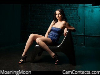 Start VIDEO CHAT with MoaningMoon