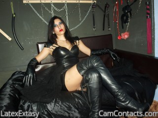 Start VIDEO CHAT with LatexExtasy