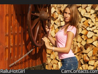 Start VIDEO CHAT with RalluHotGirl