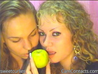 Start VIDEO CHAT with sweetcurlies