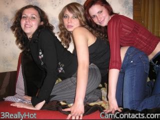 Start VIDEO CHAT with 3ReallyHot