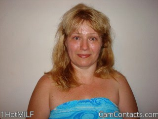 Start VIDEO CHAT with 1HotMILF