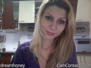 Start VIDEO CHAT with dreamhoney