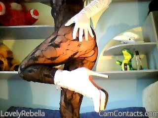 Start VIDEO CHAT with LovelyRebella