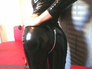 LIVE SEXCAM VIDEO CHAT mit DeluxeDomina