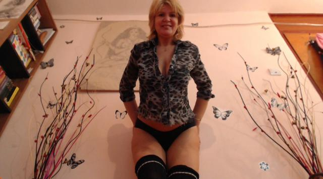 Find your cam match with Adama4u: Lingerie & stockings