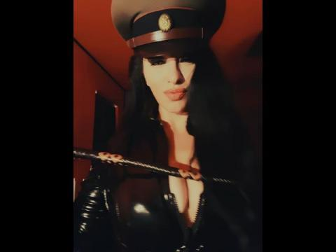 Adult chat with TheCountesss: Dominatrix