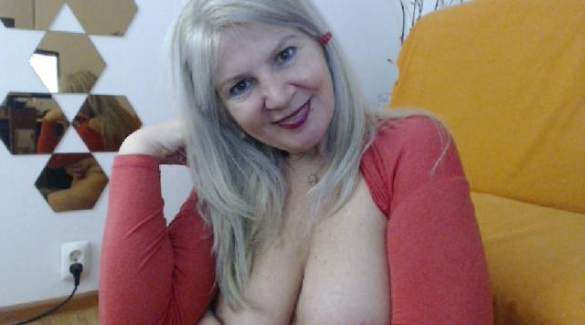 Adult webcam chat with Adama4u: Role playing
