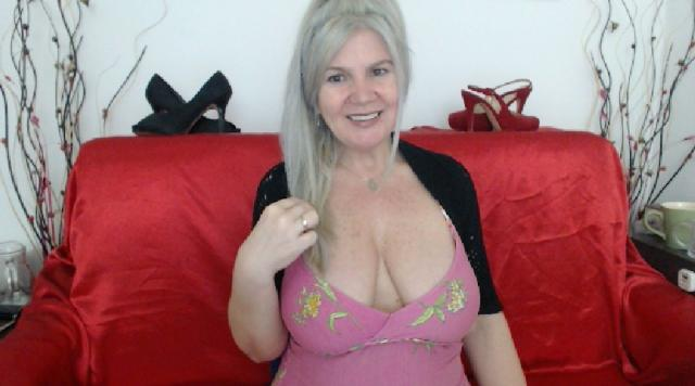 Welcome to cammodel profile for Adama4u: Outfits