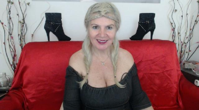 Find your cam match with Adama4u: Legs, feet & shoes