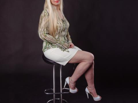 Visit OfficeBlondie profile