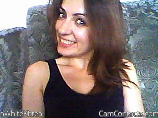 Webcam model aWhiteKitten from CamContacts
