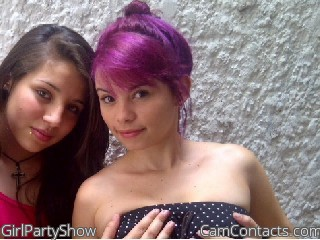 Webcam model GirlPartyShow from CamContacts