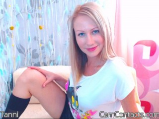 Webcam model Tanni from CamContacts