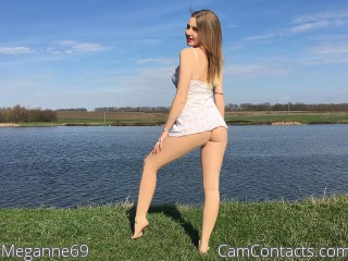Webcam model Meganne69 from CamContacts