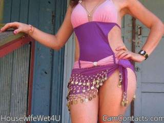 Start VIDEO CHAT with HousewifeWet4U