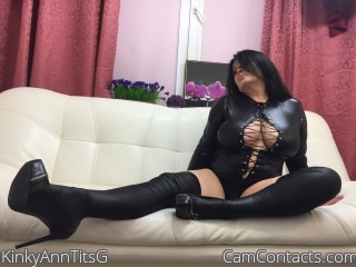 Webcam model KinkyAnnTitsG from CamContacts