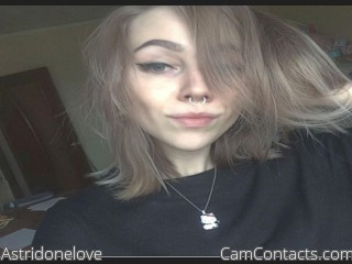 Webcam model Astridonelove from CamContacts