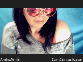 Webcam model AminaSmile from CamContacts