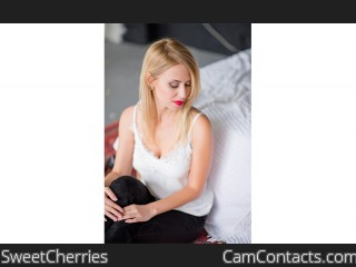 Webcam model SweetCherries from CamContacts