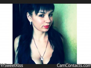 Webcam model YrSweetKiss from CamContacts