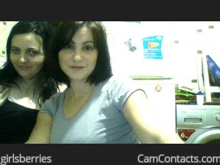 Webcam model girlsberries from CamContacts