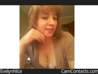 Start VIDEO CHAT with EvelynNice