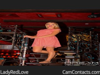 Webcam model LadyRedLove from CamContacts