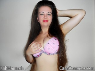 Webcam model MilfHannah from CamContacts