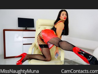 Webcam model MissNaughtyMuna from CamContacts