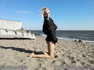 Webcam model FamouseBibie from CamContacts