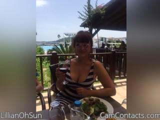 Webcam model LillianOhSun from CamContacts
