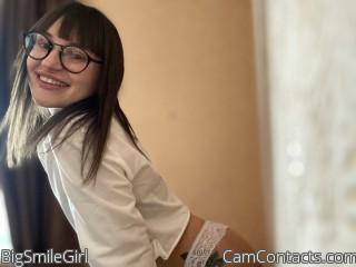 Webcam model BigSmileGirl from CamContacts
