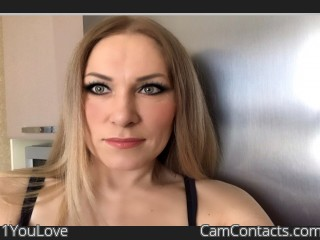 Webcam model 1YouLove from CamContacts