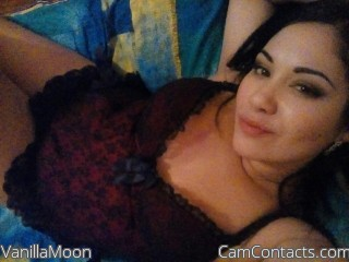 Webcam model VanillaMoon from CamContacts