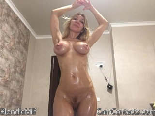 Webcam model BlondieMilf from CamContacts