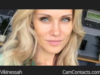 Webcam model Vikinessah from CamContacts