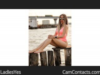 Webcam model LadiesYes from CamContacts