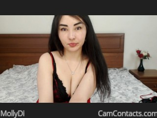 Webcam model MollyDi from CamContacts
