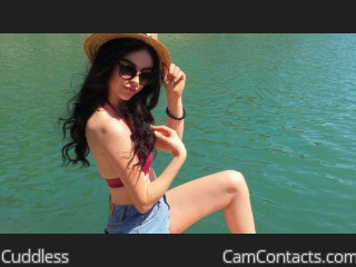 Webcam model Cuddless from CamContacts