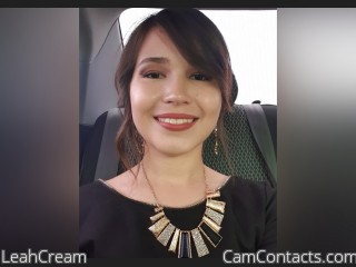 Webcam model LeahCream from CamContacts