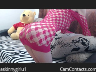 Webcam model askinnygirlu1 from CamContacts
