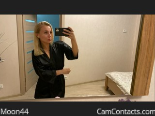 Webcam model Moon44 from CamContacts