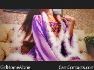Webcam model GirlHomeAlone from CamContacts