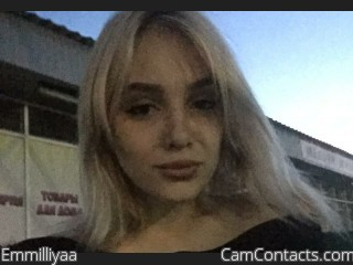 Webcam model Emmilliyaa from CamContacts
